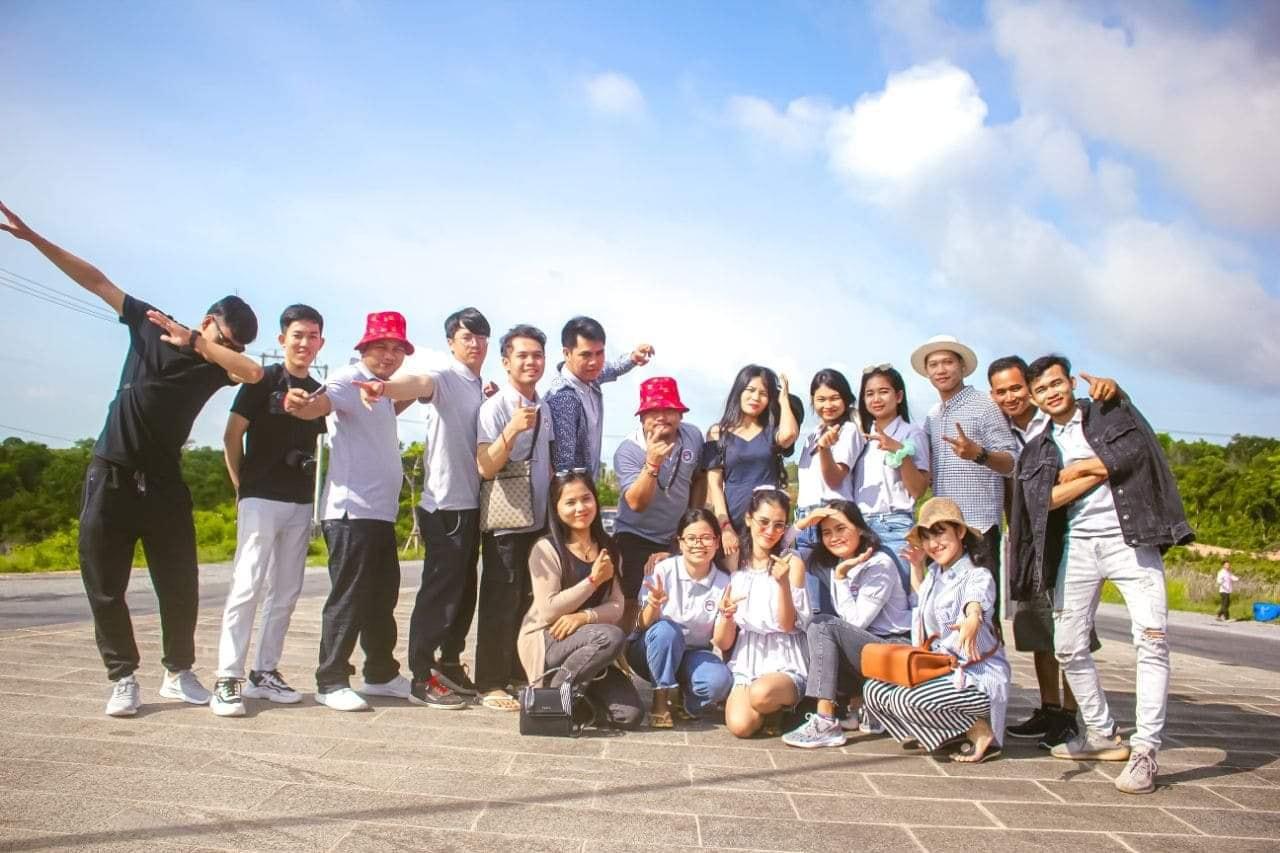 Mirai's teachers and students tour
